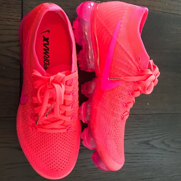 quality design 4f5fa e760b Sold out color! Hyper pink Nike Vapormax